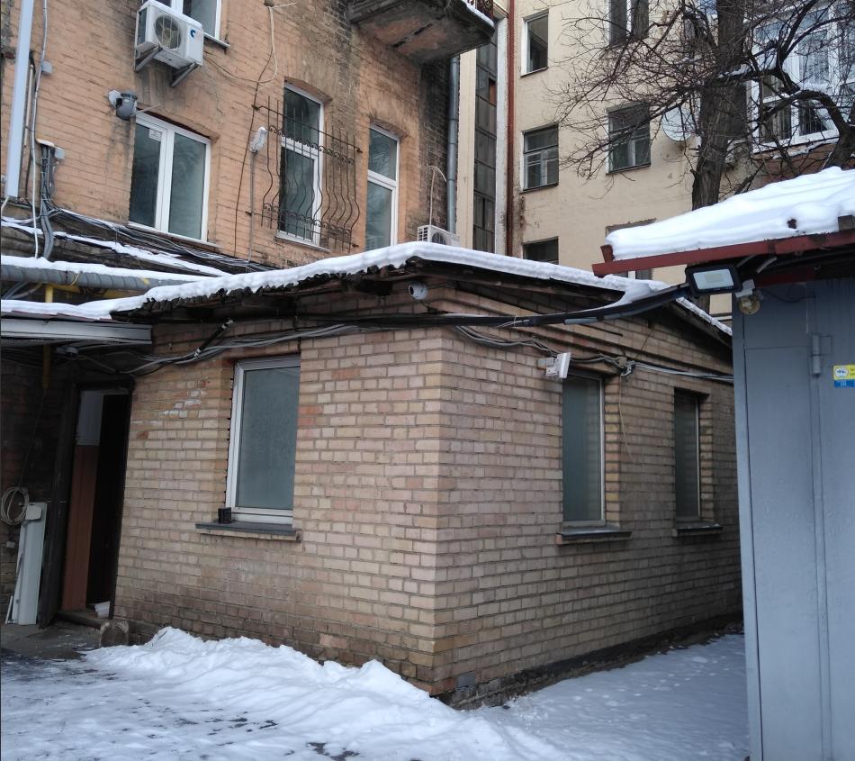 Оренда нежитлового приміщення  площею 131,60                         кв. м за адресою: м. Київ, вул. Петлюри Симона,   5 літ. А