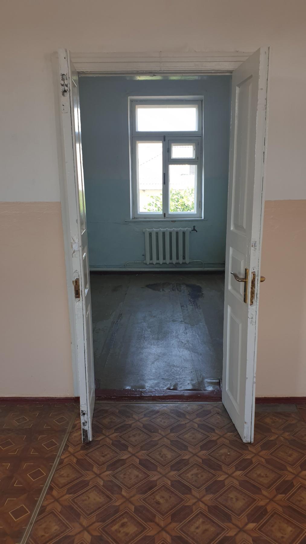 Нежитлове приміщення 9,4 кв.м м.Тальне вул.Гагаріна,7