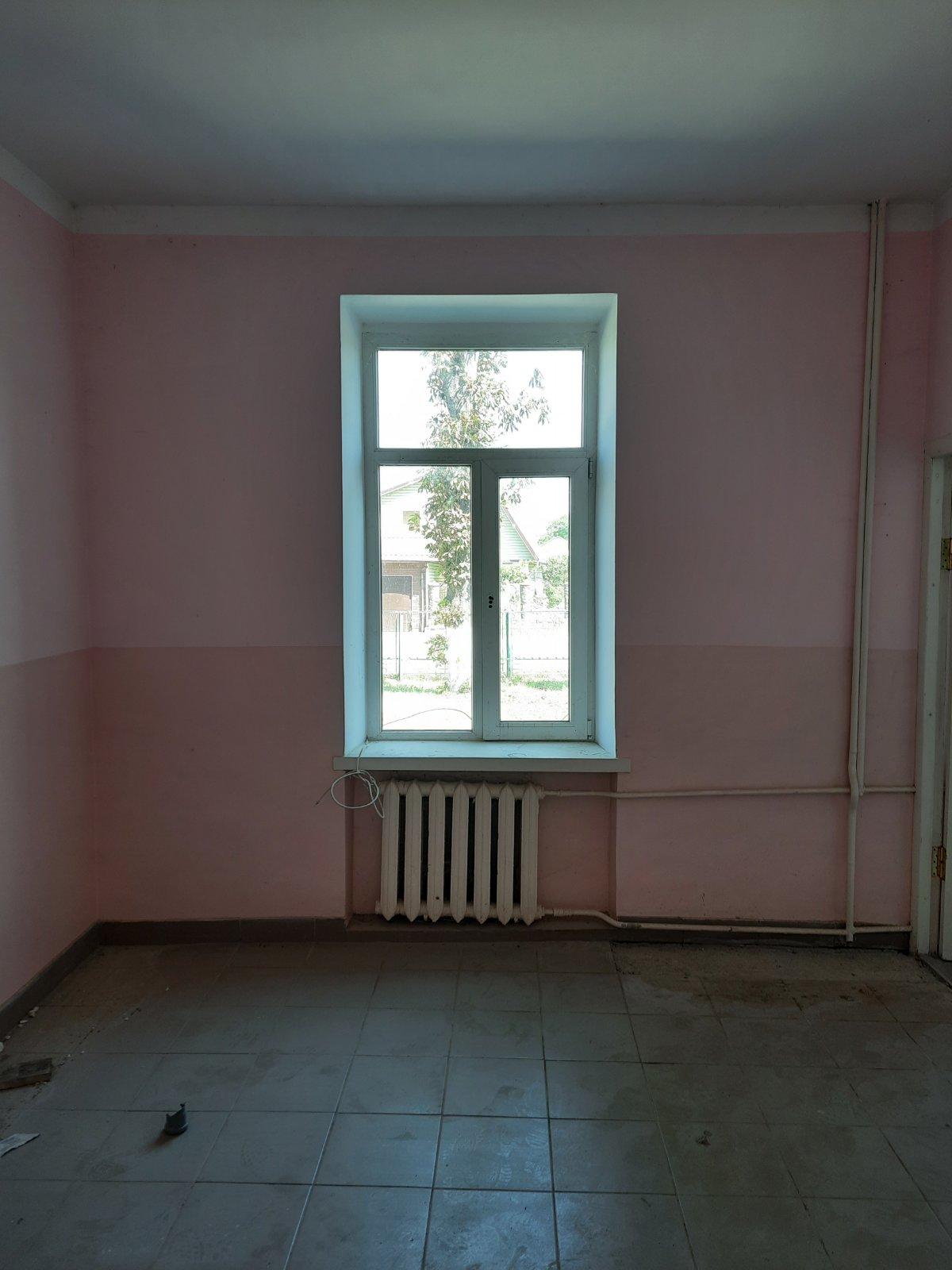 Оренда частини нежитлового приміщення 1 та 2 -го поверху, площею 724,5 кв.м. , що знаходиться за адресою: м. Козятин, вул. Незалежності, 75